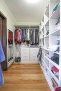 37 closet erechin